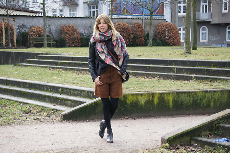 Outfit-Post: Der Karo Schal